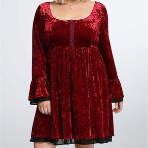 Torrid  red VELVET BELL SLEEVE DRESS size 1